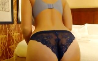 Young chick amazes with her astonishing forms on hd solo cam